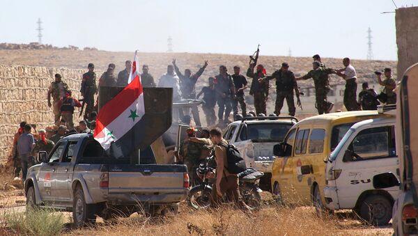 Soldati siriani alla periferia di Aleppo - Sputnik Italia