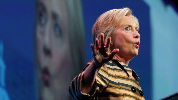U.S. Democratic presidential candidate Hillary Clinton speaks at the Congressional Hispanic Caucus Institute's 39th Annual Gala Dinner in Washington, DC, U.S. September 15, 2016 - Sputnik Italia