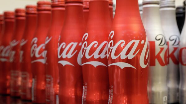 Coca-cola, which struggles with declining soda consumption in the US, is working with fitness and nutrition experts who suggest its cola as a healthy treat. - Sputnik Italia