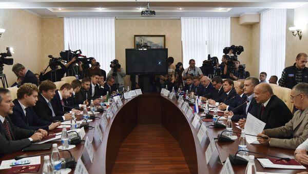 Delegazione italiana in visita in Crimea - Sputnik Italia