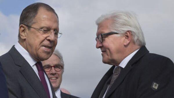Incontro tra Lavrov e Steinmeier all aeroporto di Volgograd - Sputnik Italia