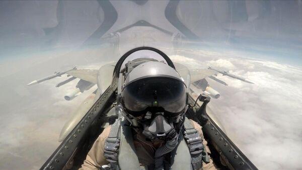 Pilota saudita - Sputnik Italia