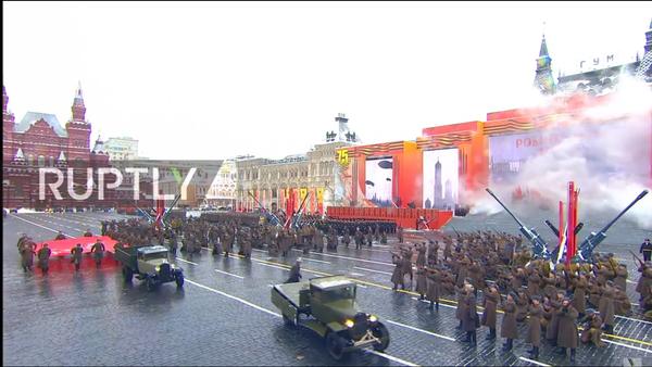 Parata del 7 novembre a Mosca - Sputnik Italia