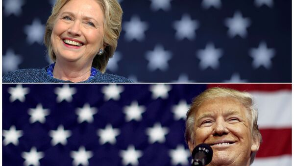 US presidential nominees Hillary Clinton (top) and Donald Trump speak at campaign rallies in Cedar Rapids, Iowa, US October 28, 2016 and Delaware, Ohio October 20, 2016 in a combination of file photos. - Sputnik Italia
