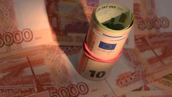 I soldi, rubli e euro - Sputnik Italia