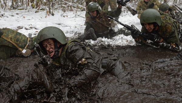 Soldati russi durante un'esercitazione - Sputnik Italia