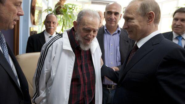 Vladimir Putin e Fidel Castro - Sputnik Italia