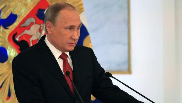 Vladimir Putin parla all'Assemblea Federale - Sputnik Italia