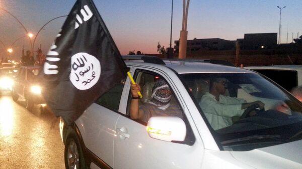 Militanti dell'ISIS a Mosul - Sputnik Italia