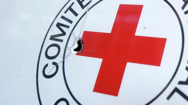 Croce rossa sotto attacco - Sputnik Italia