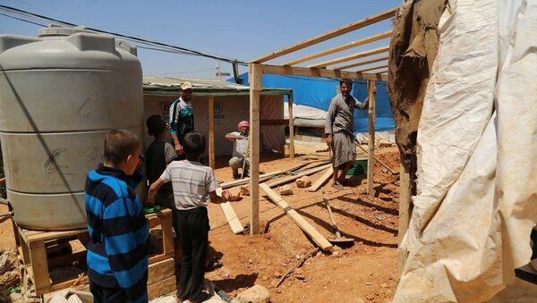 Campo di profughi siriani in Libano - Sputnik Italia