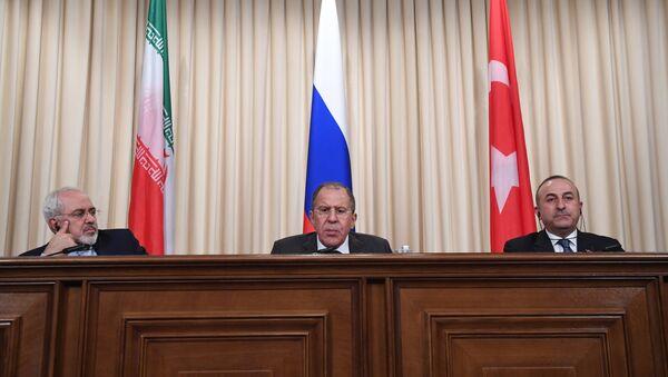 Ministri degli Esteri di Iran, Russia e Turchia a Mosca - Sputnik Italia