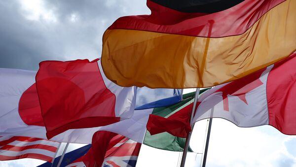 Bandiere dei Paesi membri del G7 - Sputnik Italia