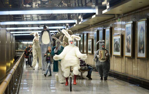 Apertura dell'esposizione 150 anni del Giardino Zoologico di Mosca alla stazione Vystavochnaya. - Sputnik Italia