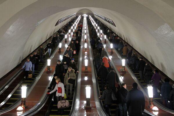 Scale mobili nella metro di Mosca. - Sputnik Italia
