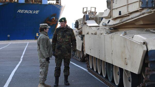 Insgesamt schicken die USA 4000 Soldaten an die die östlichen Grenzen der Nato - Sputnik Italia