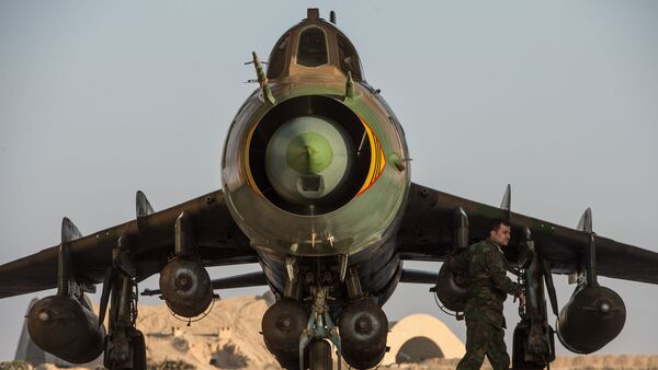 Su-22 fighter jet at the Syrian Air Force base in Homs province - Sputnik Italia