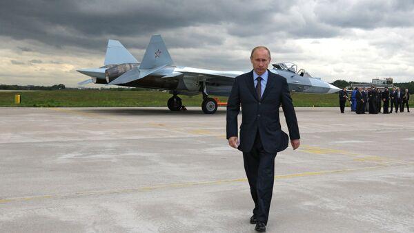 Prime Minister Vladimir Putin at the test if a T-50 fifth generation fighter - Sputnik Italia