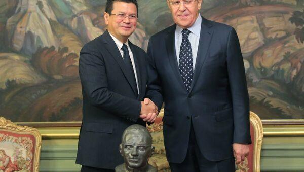 Il ministro degli Esteri russo, Sergey Lavrov, in una conferenza stampa congiunta con il suo omologo di El Salvador, Hugo Martinez. - Sputnik Italia