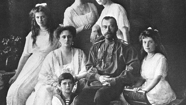 Lo zar Nicola II con la sua famiglia. - Sputnik Italia