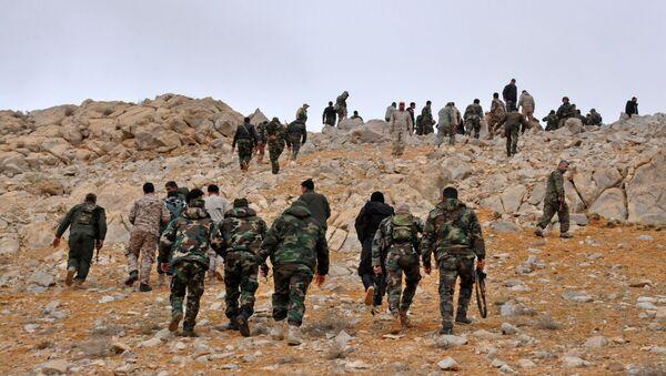 Militari dell'esercito siriano nei pressi di Palmira - Sputnik Italia