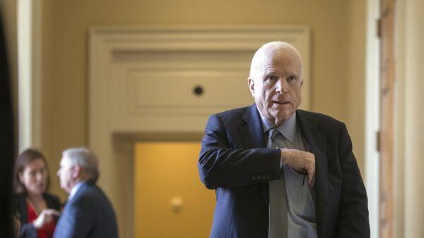 Senatore John McCain - Sputnik Italia