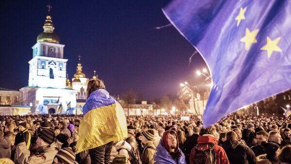 Una manifestazione in supporto dell'integrazione europea dell'Ucraina a Kiev. - Sputnik Italia