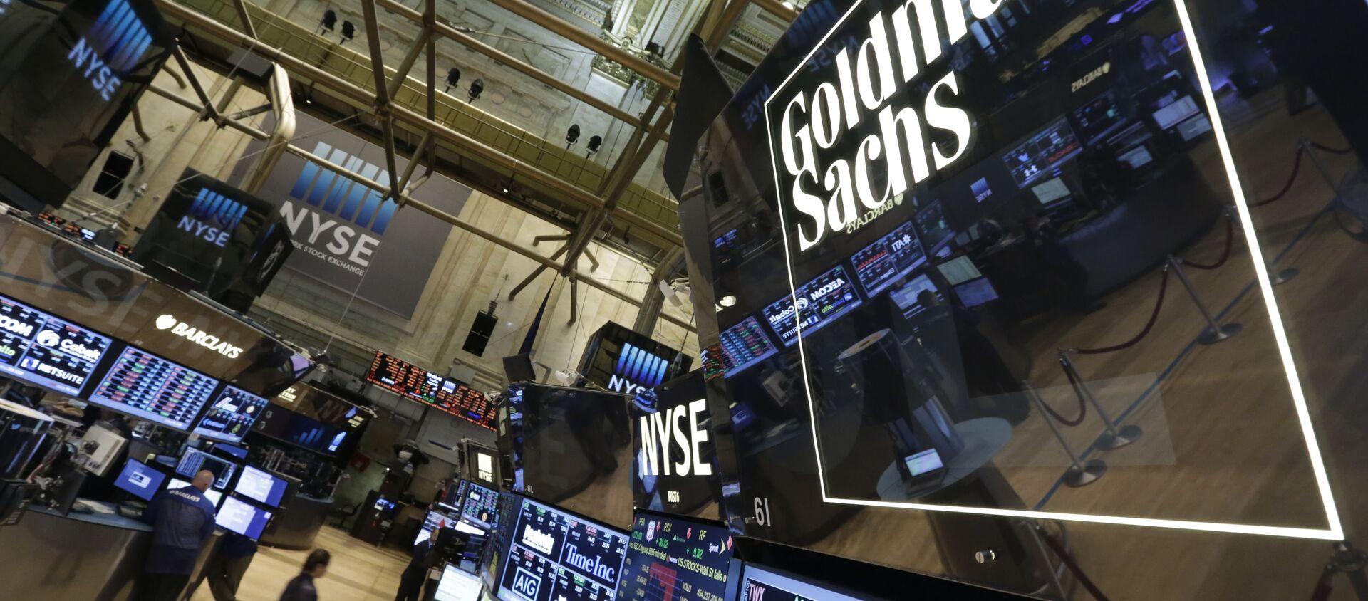 Goldman Sachs trading post on the floor of the New York Stock Exchange (File) - Sputnik Italia, 1920, 20.06.2020