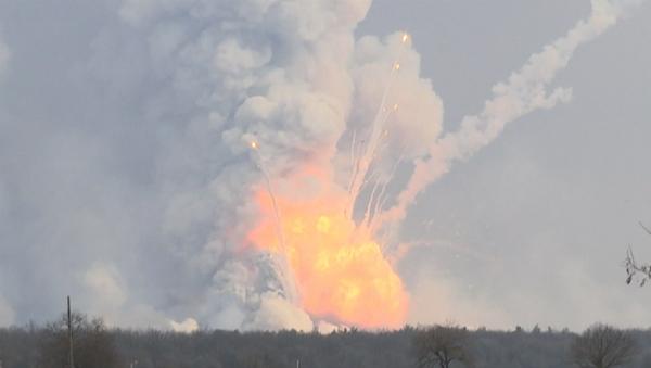 Incendio in deposito di munizioni in Ucraina - Sputnik Italia
