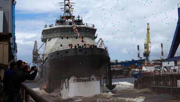 The new generation diesel-electric icebreaker Ilya Muromets being launched into the water from its drydock. - Sputnik Italia