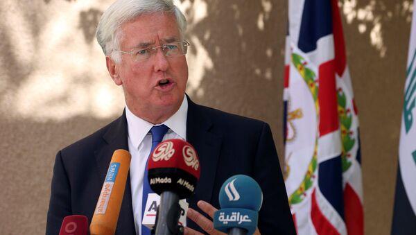 Il Segretario alla Difesa britannica Michael Fallon - Sputnik Italia