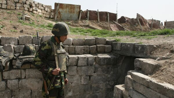 Un soldato nel Nagorno-Karabakh - Sputnik Italia