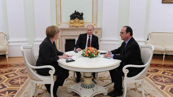 Putin, Holland, Merkel - Sputnik Italia