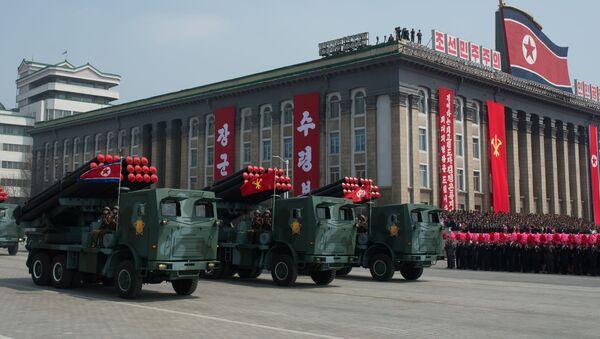 M-1985 dell'Esercito Popolare di Corea del Nord a una parata militare a Pyongyang, Corea del Nord. - Sputnik Italia