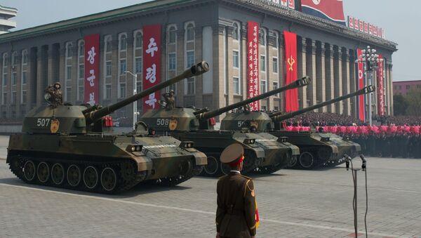 Alla parata militare a Pyongyang, Corea del Nord. - Sputnik Italia