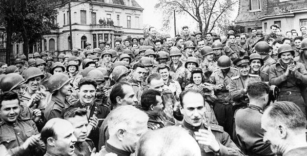 72 anni dallo storico incontro sull'Elba - Sputnik Italia