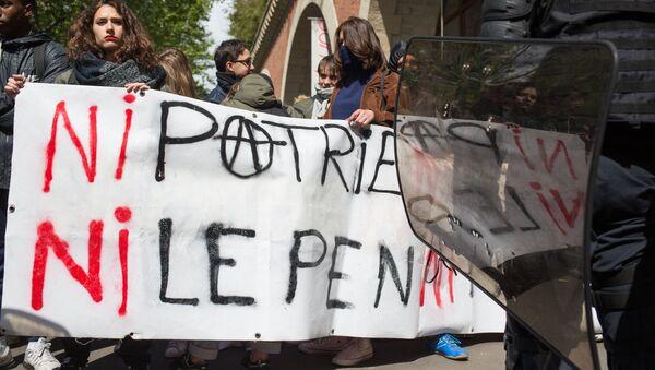 Le proteste di massa degli studenti a Parigi, Francia - Sputnik Italia