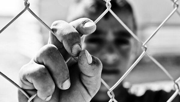 Siria: Isis sgozza i bimbi. Altri sono venduti al mercato nero degli organi. - Sputnik Italia