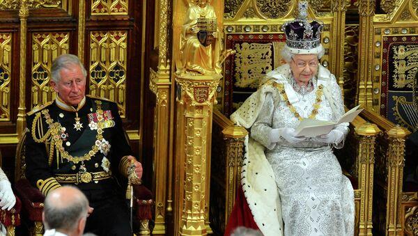 La regina Elisabetta pronuncia il suo discorso alla camera dei Lords. - Sputnik Italia