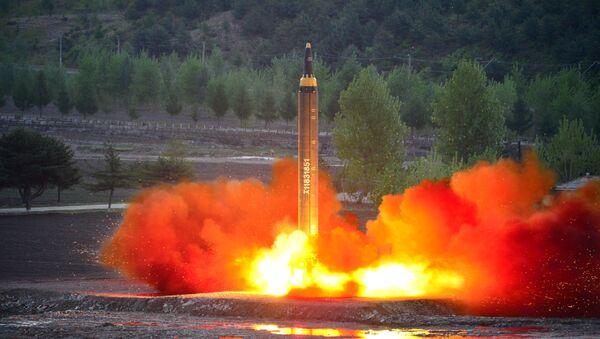 Il lancio del missile balistico Mars-12 - Sputnik Italia