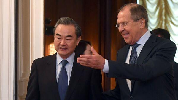 Il Ministro degli esteri Sergey Lavrov e la sua controparte cinese Wang Yi a Mosca - Sputnik Italia