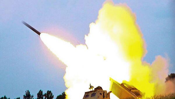M142 High Mobility Artillery Rocket System (HIMARS), a multiple rocket launcher - Sputnik Italia