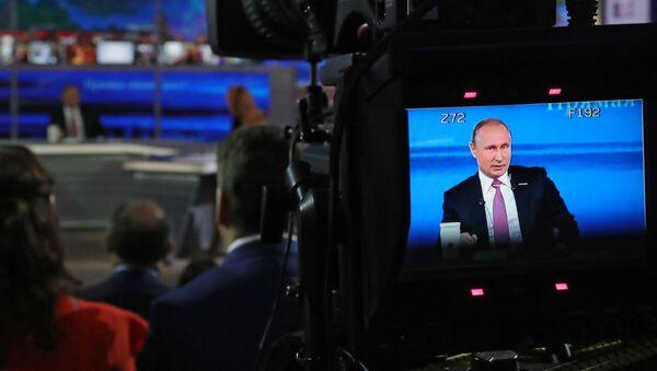 La linea diretta del presidente Putin. - Sputnik Italia