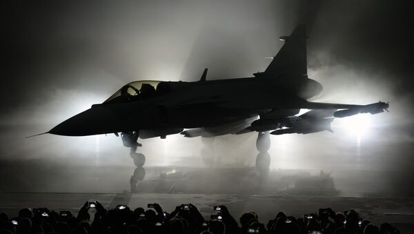 The new E version of the Swedish JAS 39 Gripen multi role fighter being rolled out at SAAB in Linkoping, Sweden - Sputnik Italia