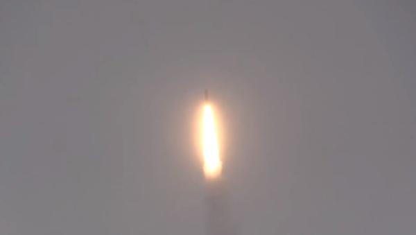 Il lancio del missile balistico R-30 Bulava - Sputnik Italia