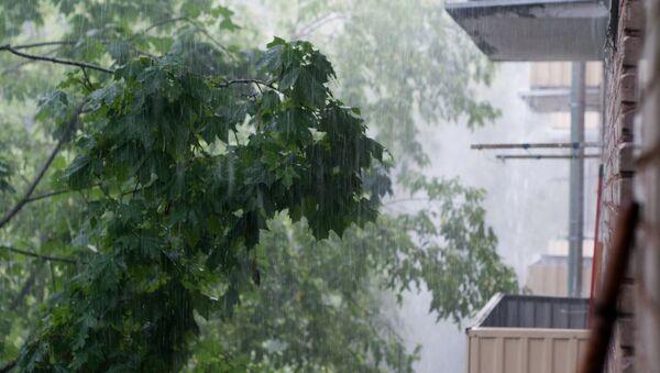Mosca colpita da una forte tempesta - Sputnik Italia