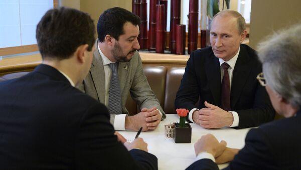 Vladimir Putin e Matteo Salvini - Sputnik Italia