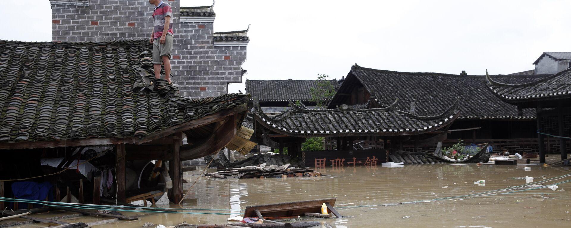Alluvione in un villaggio in Cina - Sputnik Italia, 1920, 21.07.2021