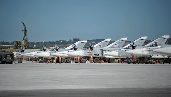 Su-24 bombers of the Russian Aerospace Forces at the Khmeimim airbase in Syria. - Sputnik Italia