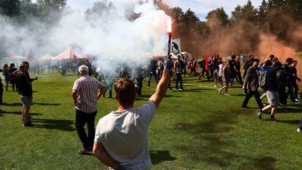 Manifestanti ad Amburgo - Sputnik Italia